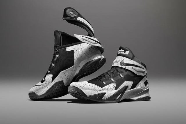 official photos 177f0 9d666 nike zoom soldier 8 flyease system for disabled people 150714 0006