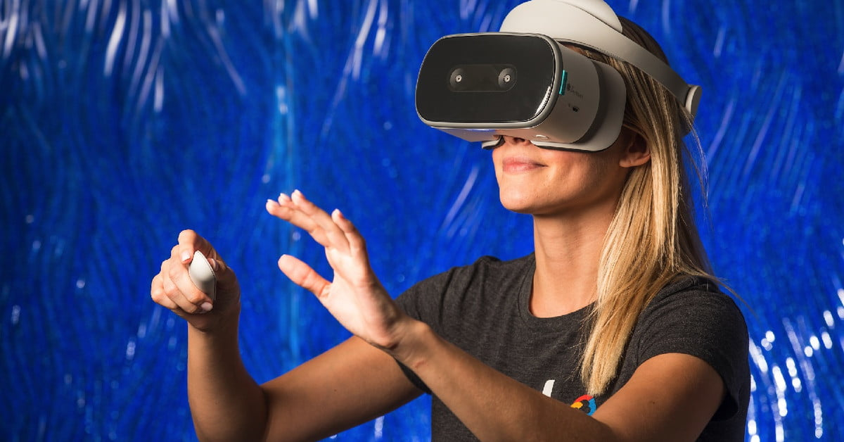 Arizona State University is Giving Students VR Headsets For Their Studies | Digital Trends