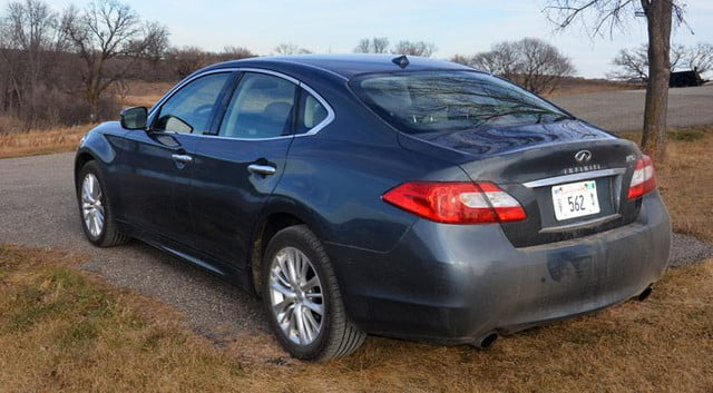 2012 infiniti m56x review rear tail lights