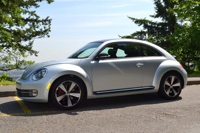 2012 volkswagen beetle review front angle 2