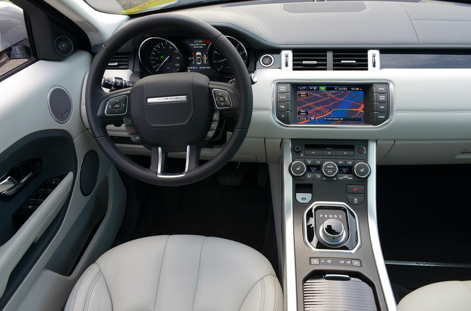 2013 range rover evoque digital trends for Interieur evoque