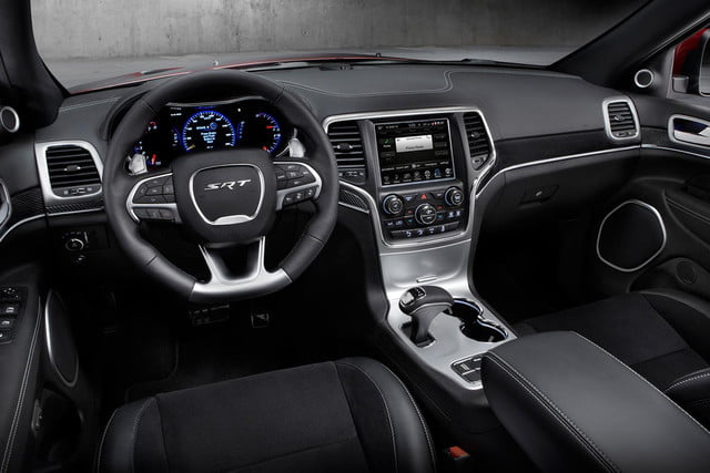 2014-Jeep-Grand-Cherokee-SRT-interior-front