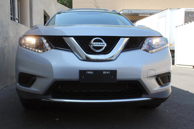 2014 Nissan Rogue SV front full