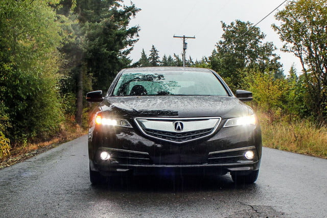 2015 Acura TLX front 2 v2