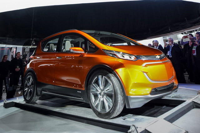 chevrolet will build electric bolt concept 2016 ev 005