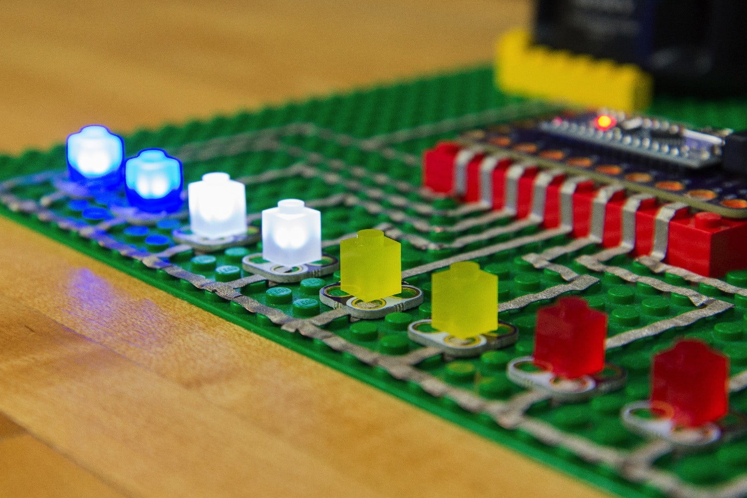 crazy circuits are lego based electronics kits delivered to your