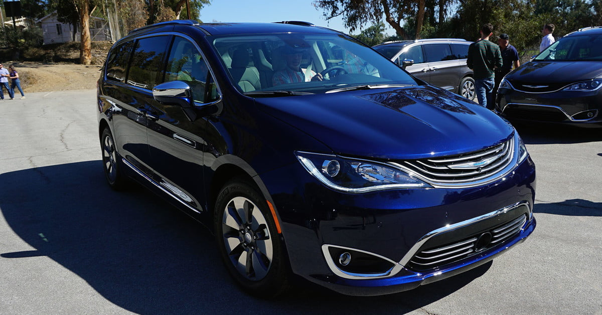 2018 chrysler pacifica prices specs features and news digital trends. Black Bedroom Furniture Sets. Home Design Ideas