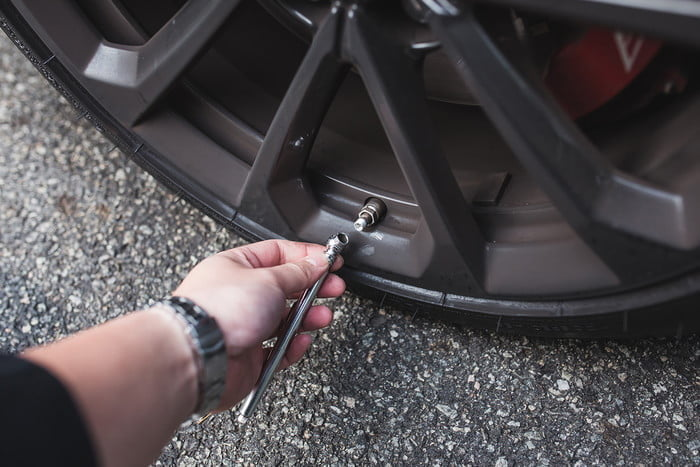 how to check your tire pressure 2017  dt photos by chris chin 5