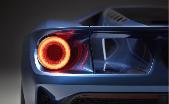 2017-ford-gt-taillight