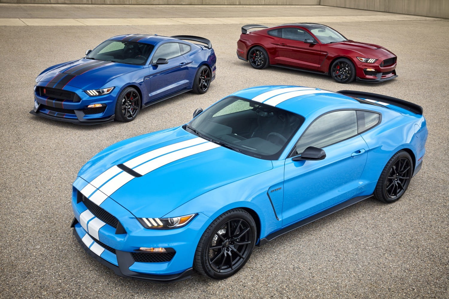 2017 ford shelby gt350 mustang photos details specs digital trends