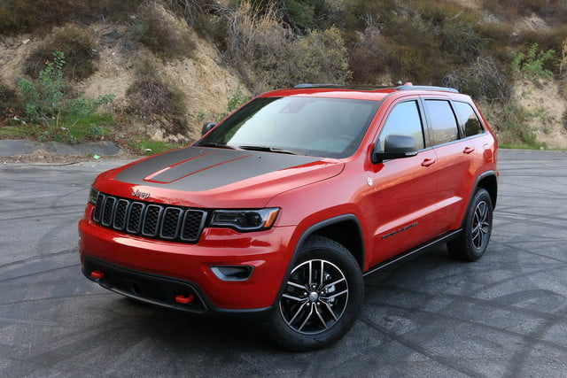 2017 jeep grand cherokee trailhawk review digital trends. Black Bedroom Furniture Sets. Home Design Ideas