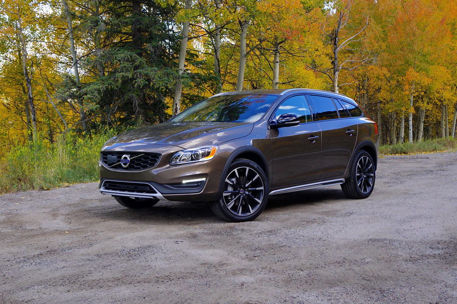 2017 volvo v60 cross country: first drive, price, and more | digital