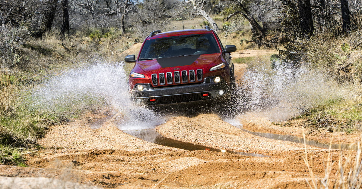 2018 jeep cherokee pictures specs prices release dates digital trends. Black Bedroom Furniture Sets. Home Design Ideas