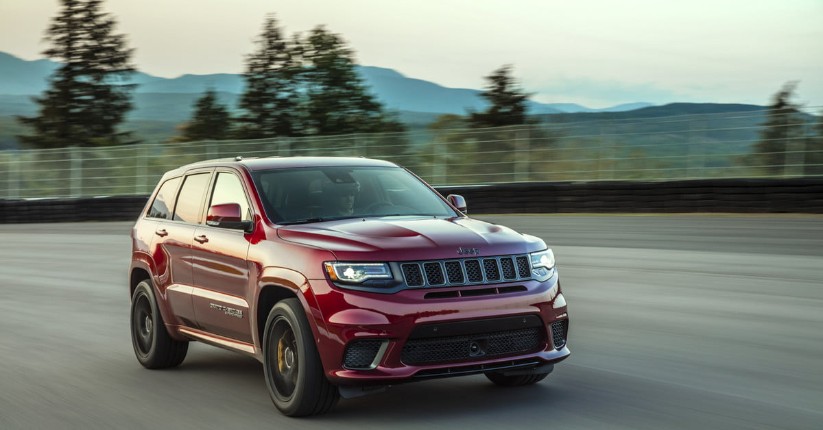 2018 jeep grand cherokee pictures specs release date prices digital trends. Black Bedroom Furniture Sets. Home Design Ideas