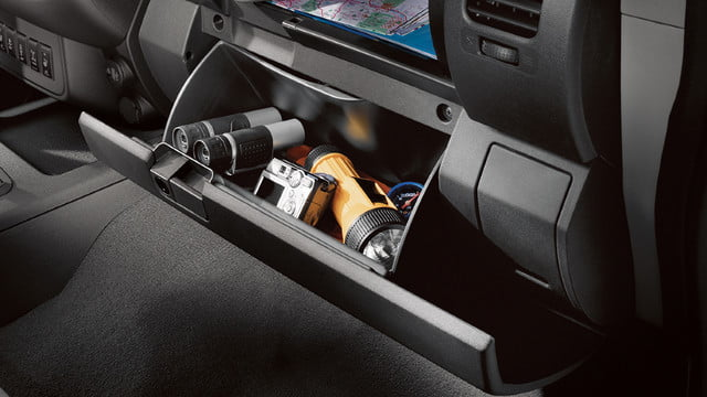 2018 Nissan Frontier dual level glove compartment