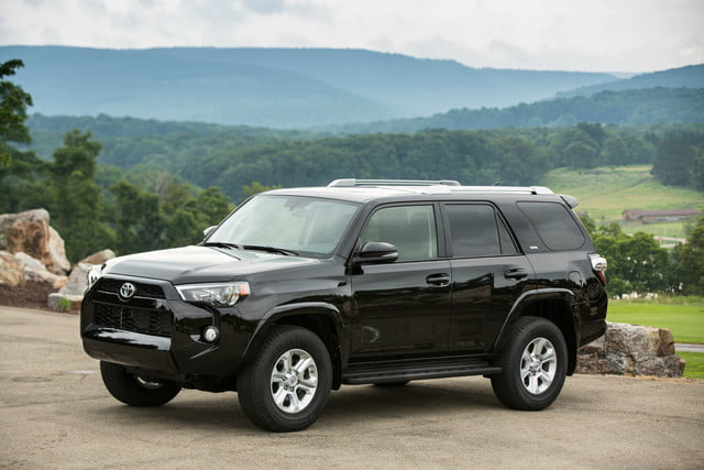 2018 toyota 4runner continues winning sales without assist tech digital trends. Black Bedroom Furniture Sets. Home Design Ideas