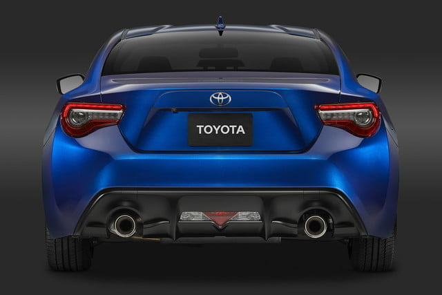 toyota and subaru reboot 86 sports coupe for second generation 2018  23