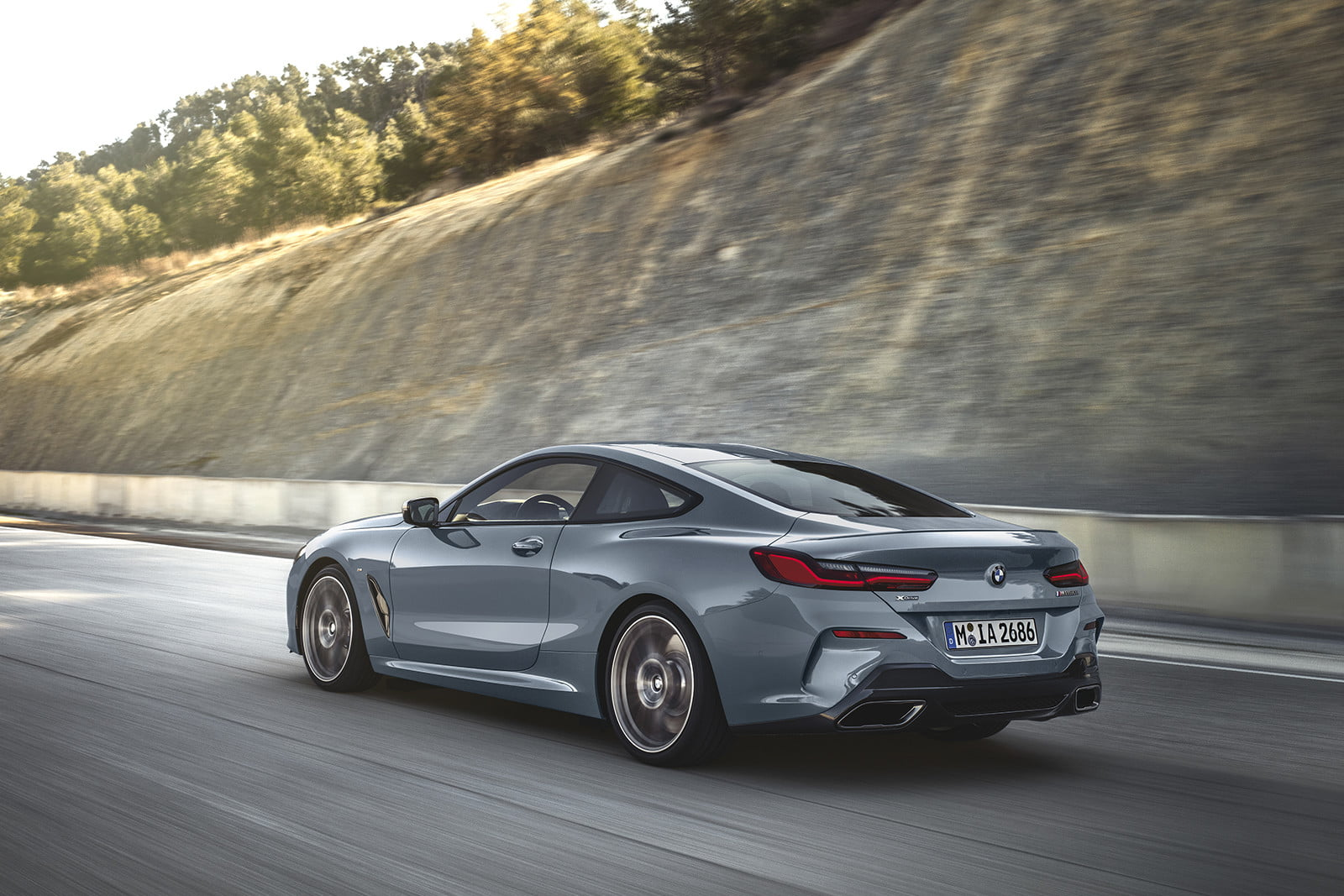 The 2019 Bmw M850i Xdrive Requires 112 895 To End Up In Your Driveway