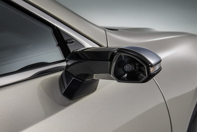 lexus reveals digital side view mirrors on jdm 2019 es monitors for 2