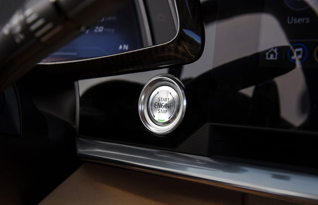 2020 Chevrolet Corvete Stingray Gets The Tech And Power Of A