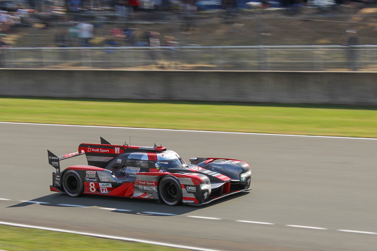 the 24 hours of le mans is the proving ground for car tech digital trends. Black Bedroom Furniture Sets. Home Design Ideas