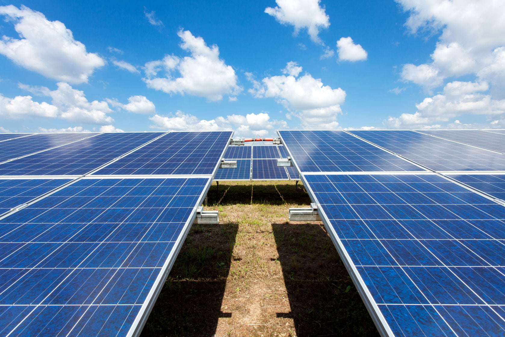 Here Are The Largest Solar Farms Across World Digital Trends Electrical Technology Series Connection Of Panel And Parallel