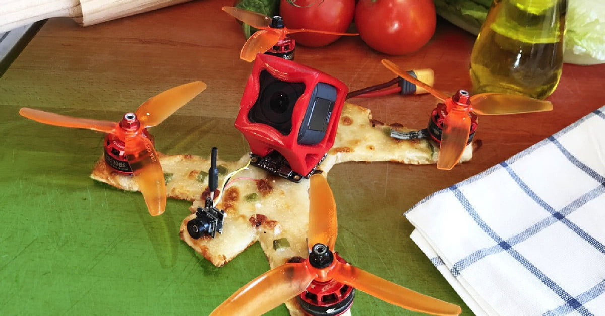 YouTuber deDrones built a drone out of a pizza