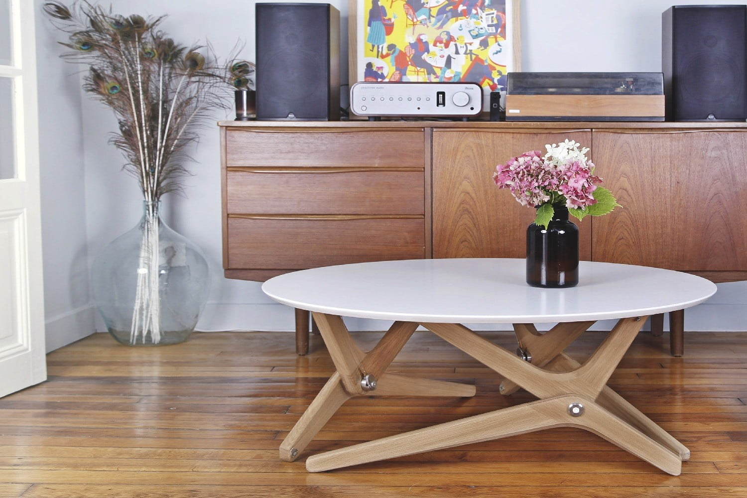 Ideal Shape shifting table can transform from coffee setting to dining table in a second