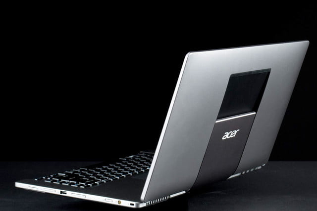 Acer Aspire R7 lid back offset