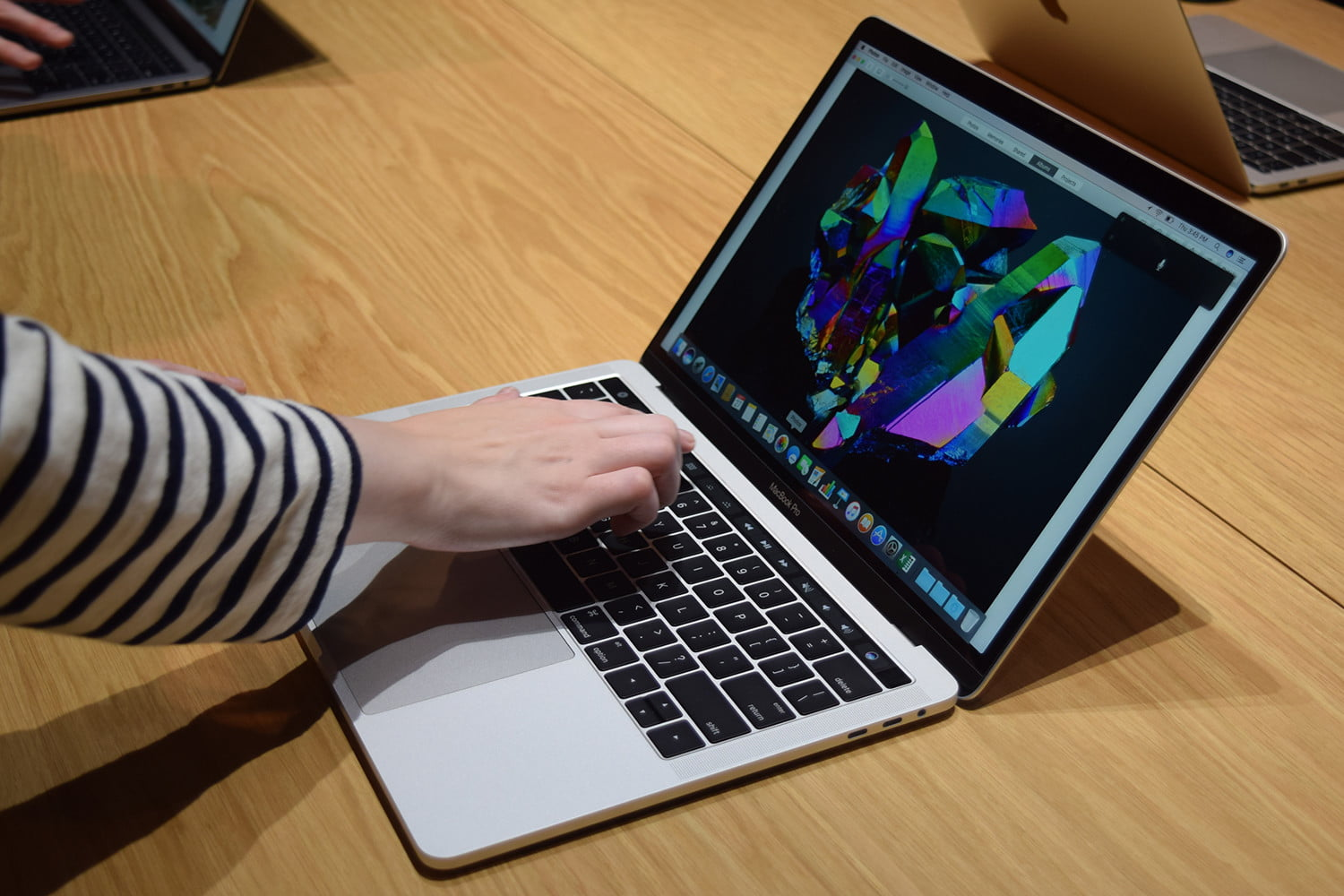 Students Can Score $150 Discount on MacBook Pros Right Now | Digital Trends