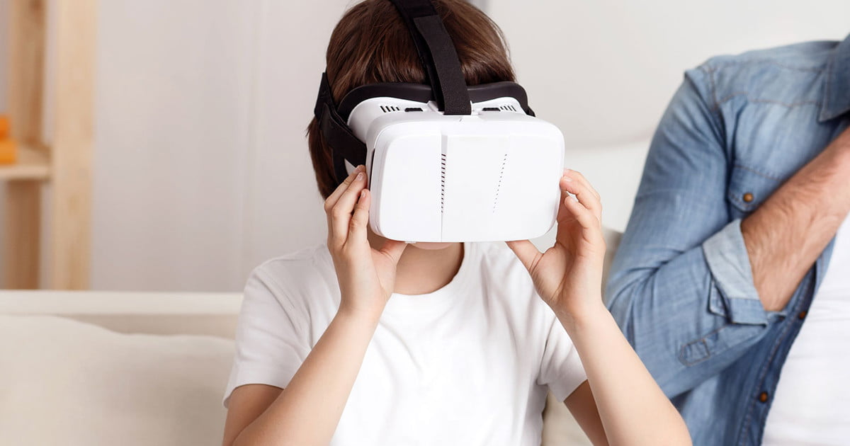 df7c912f6e34 Is VR safe for kids  We asked the experts