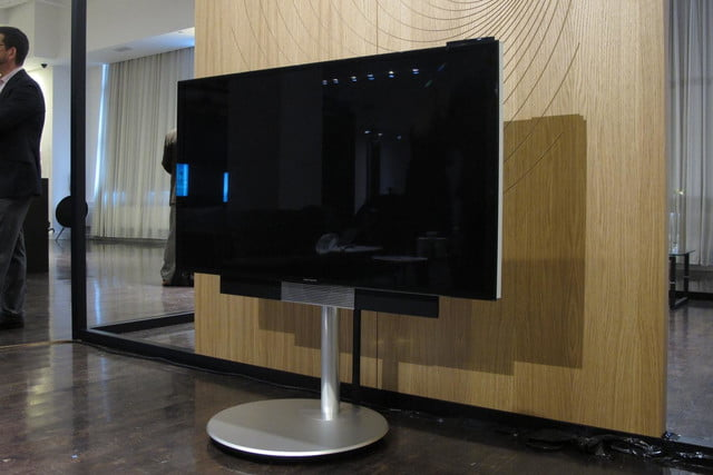 bang olufsens first 4k uhd tv knows right moves beovision avant 14