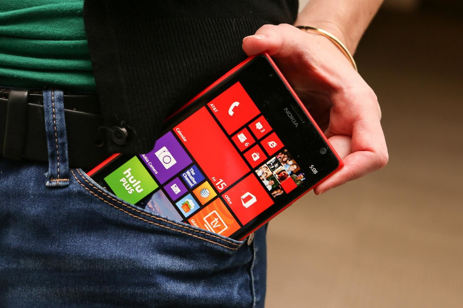 nokia lumia 1520 red. at\u0026t resuscitates the nokia lumia 1520 and its ludicrous price tag from dead red