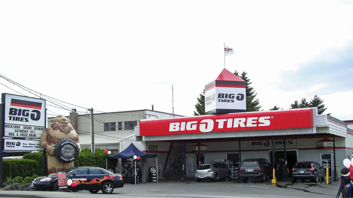 road rave how tech is helping used car sales with safe transaction zones big o tires storefront blinker partnership