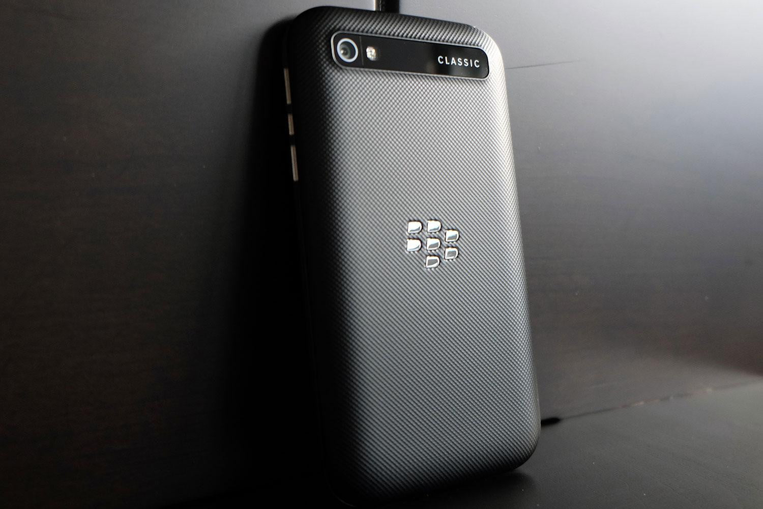 Blackberry Classic Review Digital Trends Q20 Black Back Angle