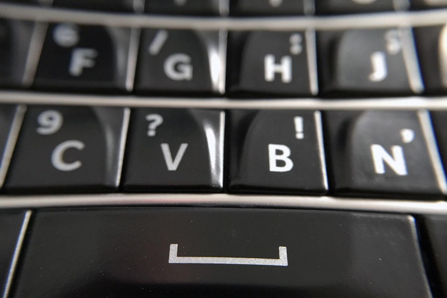 Blackberry Classic Review Keyboard Download Image Blackberry Classic How To Delete  Apps