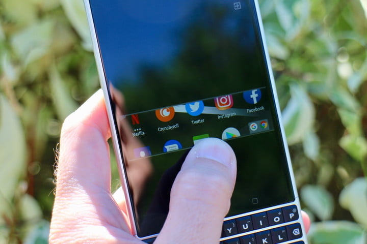 how to use blackberry privacy shade key2