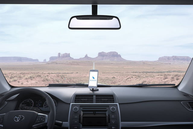 bluejay smart mount turns your phone into an in car infotainment system 4