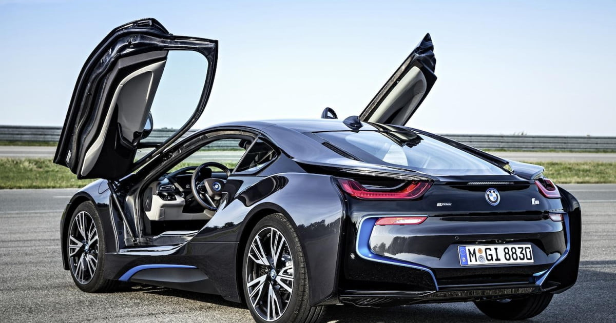 Bmw I8 Before It Was A Hybrid It Had A V8 Digital Trends