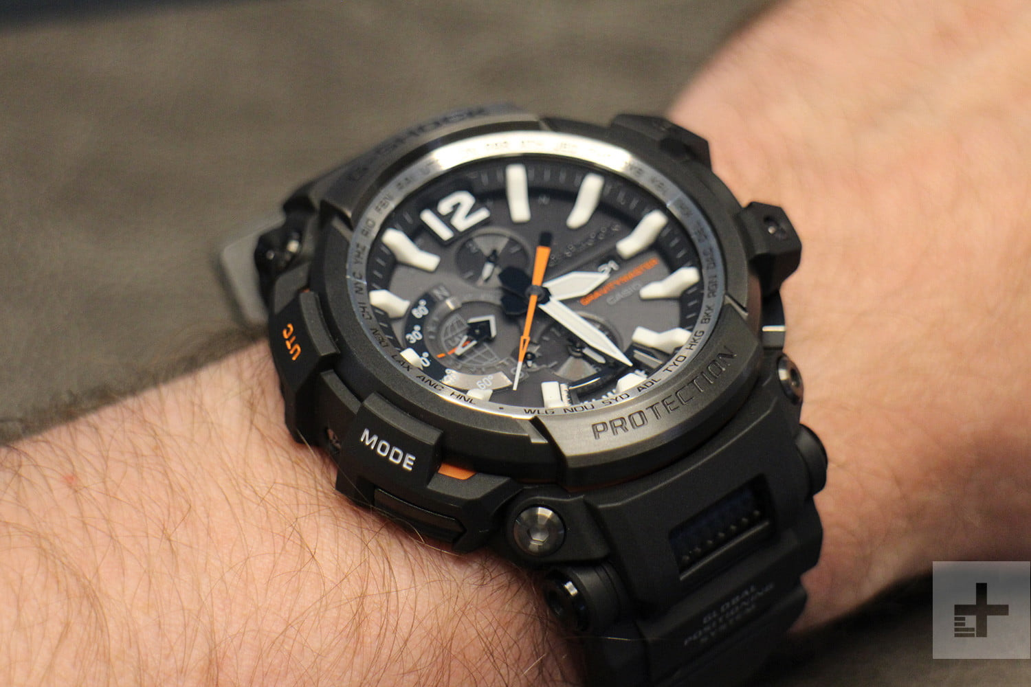 casio s g shock is the new definition of a hybrid smartwatch. Black Bedroom Furniture Sets. Home Design Ideas