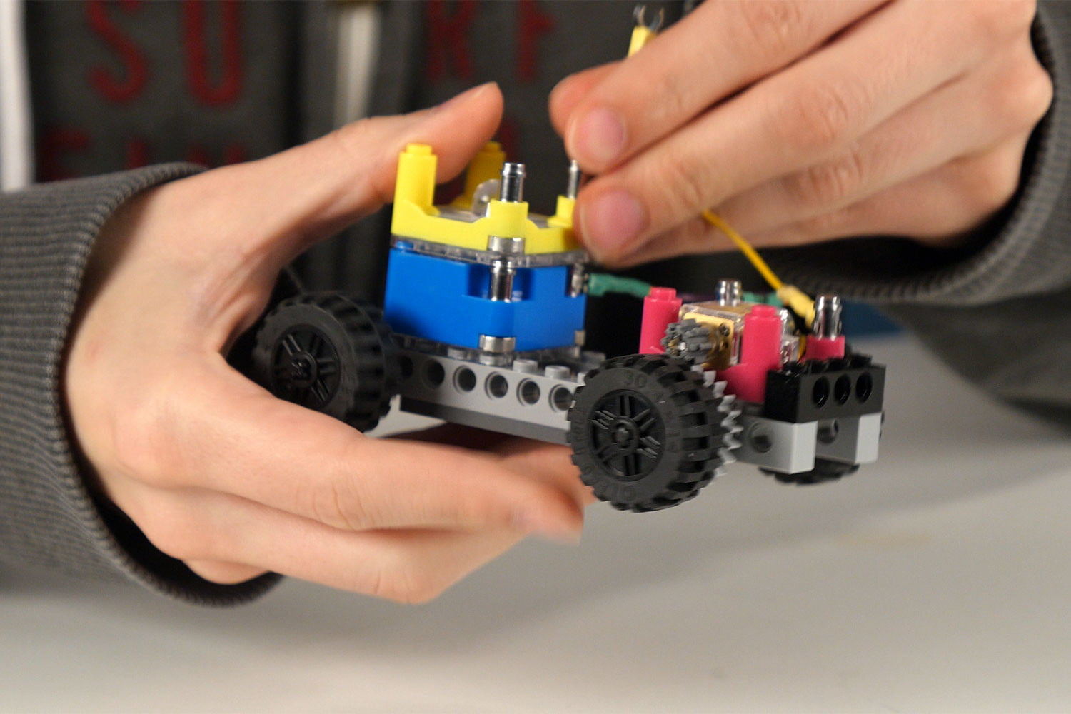 Circuit Cubes Teaches Kids The Basics Of Circuitry With Lego Bricks Police Bicycle Siren Circuits Electronic Projects Digital Trends