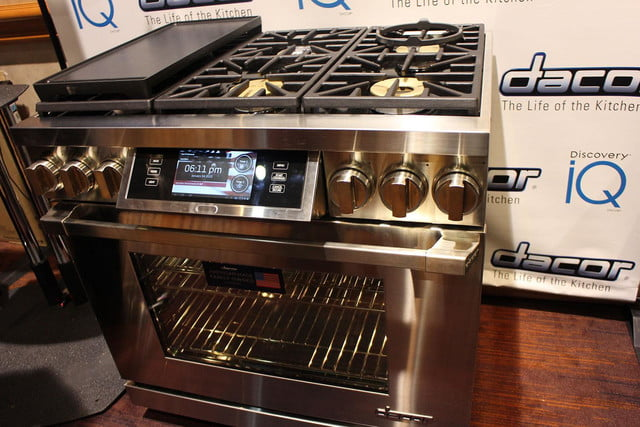 dacors voice activated oven debuts at ces 2015 dacor discovery iq dual fuel range 0250