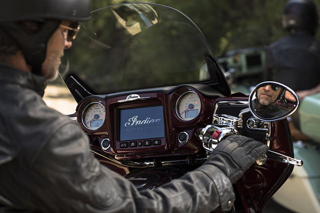 indian motorcycle ride command touchscreen 2017 imc infotainment roadmaster 02