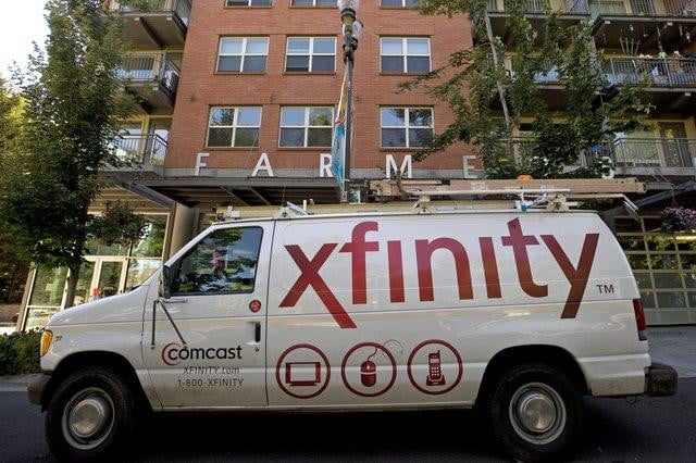 Comcast lures college students with cable TV via campus Wi