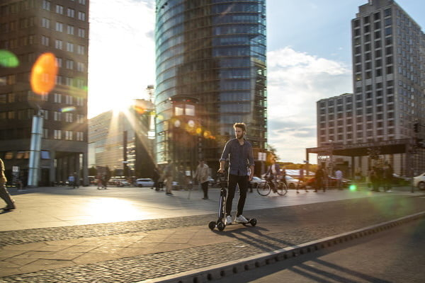 audi shows e tron scooter four wheeled electric skateboard concept combines with