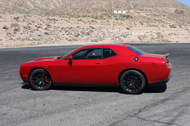 2015 dodge charger challenger srt hellcats track review and hellcat on sides red