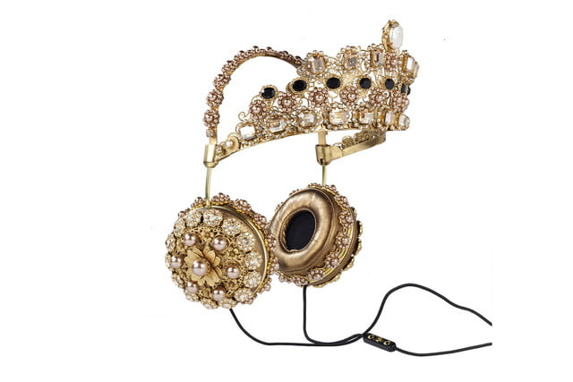 rihanna sells out 9000 dollar dolce gabanna headphones crown hanging