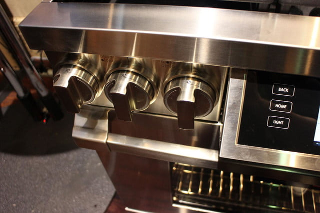 dacors voice activated oven debuts at ces 2015 dacor discovery iq dual fuel range 0258