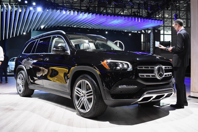 Redesigned Mercedes Benz Gls To Debut At 2019 New York Auto