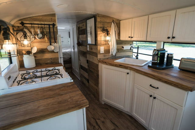 coolest bus to mobile home conversions expedtionhappinessinside2